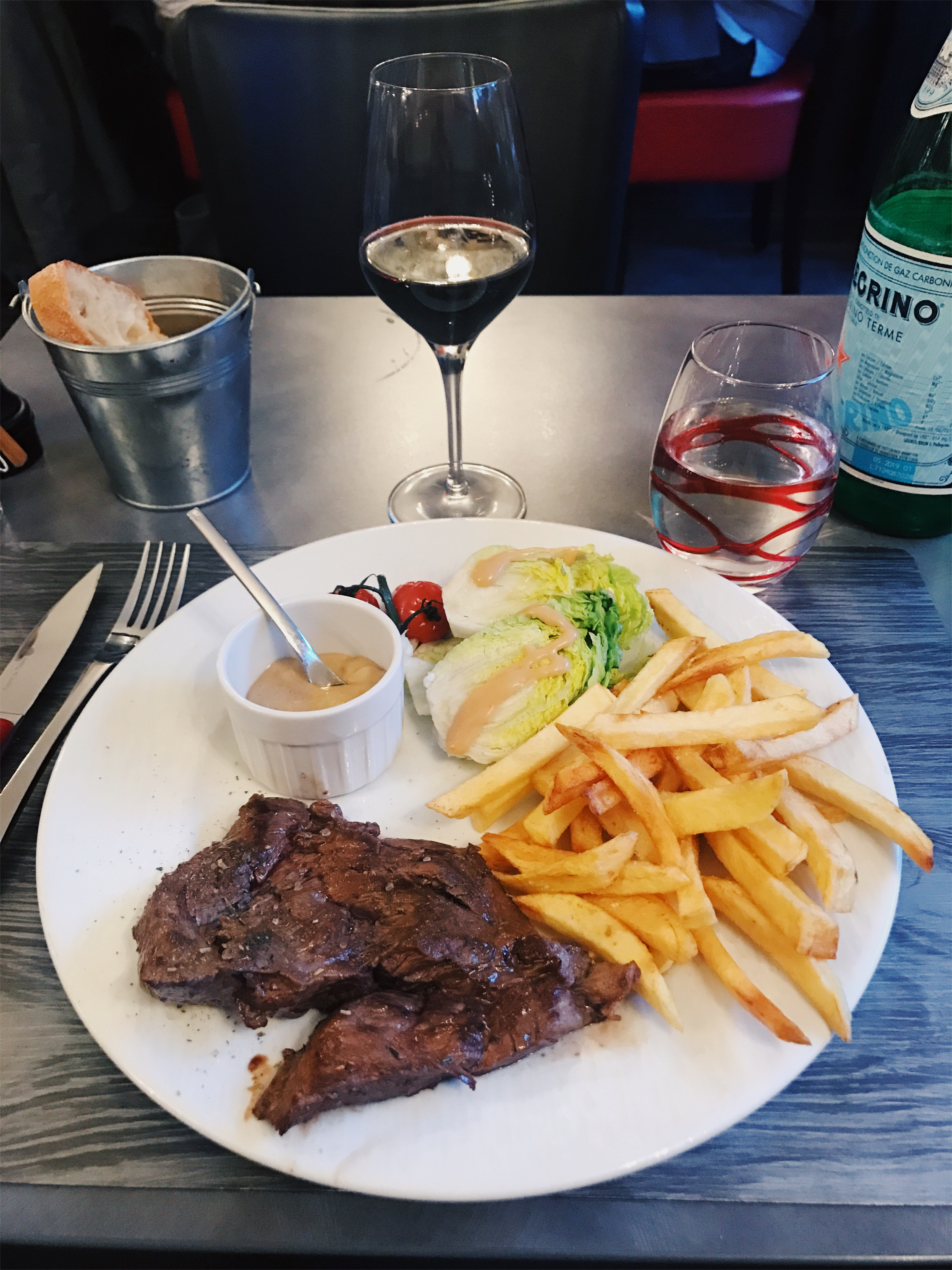 Steak, Versailles, France